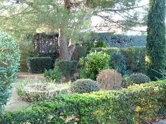 Location vacances d 39 t d 39 un studio hy res r sidence for Le jardin hyeres